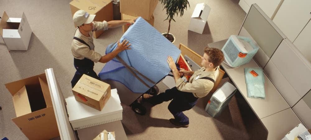 Comment communiquer un déménagement à des partenaires externes